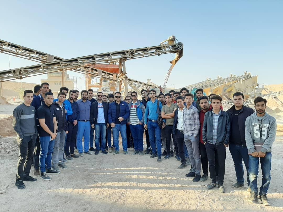 بازدید جمعی از دانشجو های دانشگاه فنی مهندسی باهنر شیراز